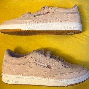 Brand new pink suede Reebok sneakers!